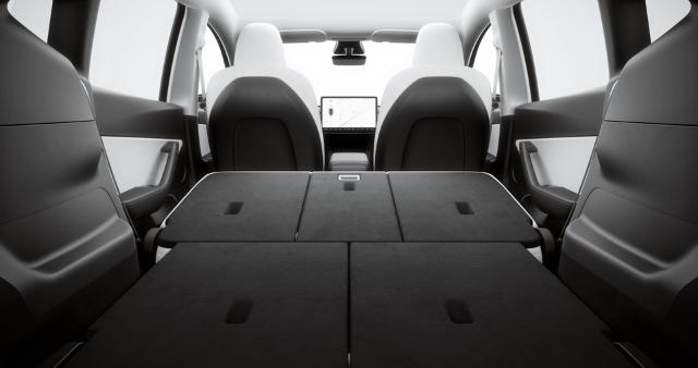 Tesla Y Seat